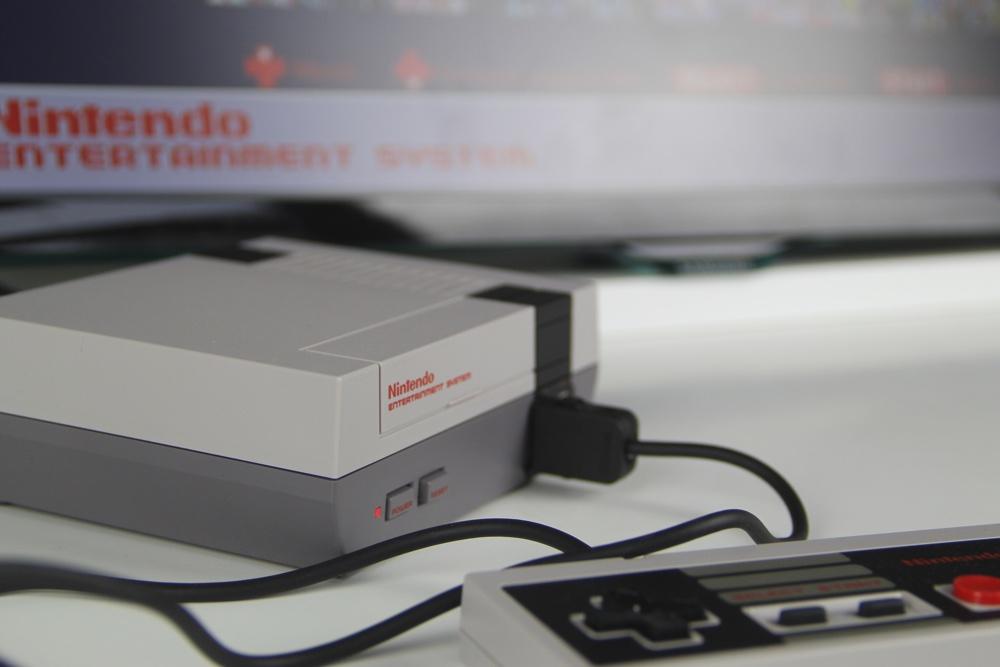 Einfach anschließen. Das Mini NES Classic ist sofort spielbereit.