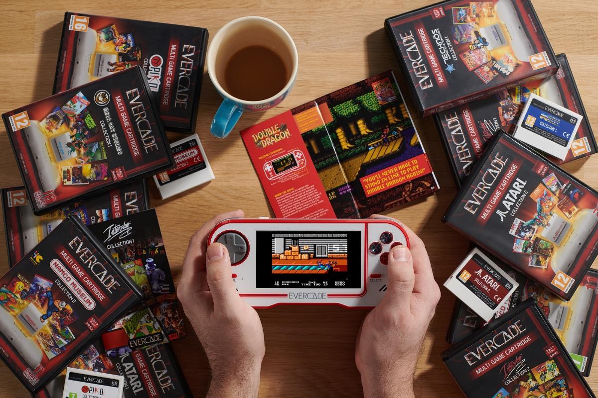 Retrogaming Handheld Evercade – neue Spieleboxen für 2020/2021 geplant